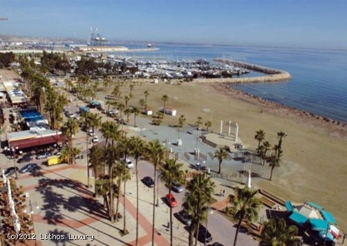 Seafront Apartment in Larnaca