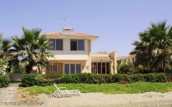 Beach Villa in Larnaca
